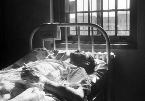 intervento-ospedali-psichiatrici-letti-contenzione-ken-kesey-71