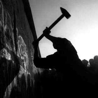 muro abbattuto
